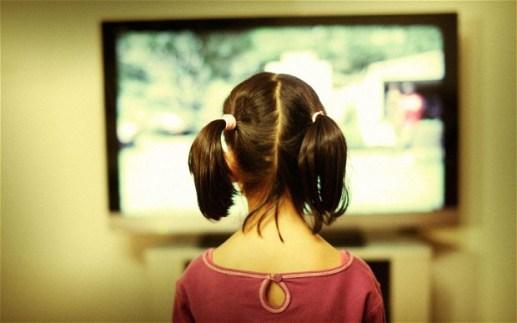 Există oameni care cred că fără televizor viața e prea pe silent mode